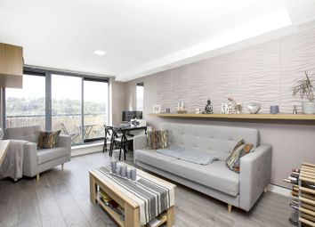 Thumbnail 2 bedroom flat for sale in Whytecliffe Road South, Purley