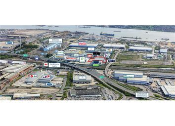 Thumbnail Warehouse to let in Thames Gateway Park, Chequers Lane, Dagenham, Essex, England