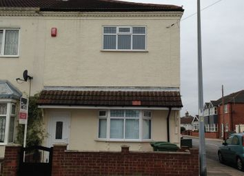 Thumbnail 2 bed flat to rent in Thrunscoe Road, Cleethorpes