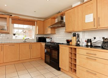 Thumbnail Room to rent in Frobisher Gardens, Grays