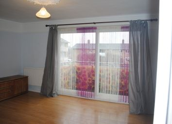 Thumbnail 2 bed flat to rent in Oak Ridge, Dorking
