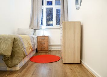 Thumbnail 4 bedroom shared accommodation to rent in Solebay Street, London
