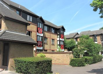 Thumbnail 1 bed flat to rent in Bramber Court, Sterling Place, South Ealing / Brentford Borders
