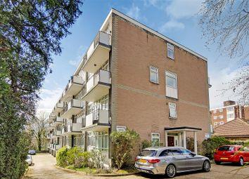 Highland Road, Shortlands, Bromley BR1. 3 bed flat for sale