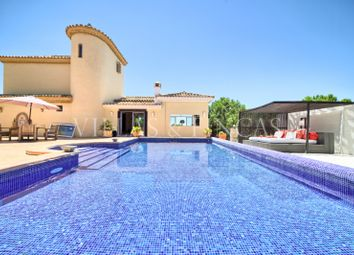 Thumbnail 4 bed country house for sale in Estepona, Malaga, Spain