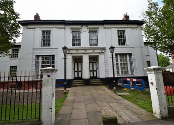 2 bed flat to rent in The Beeches, Moss Lane East, Manchester M14