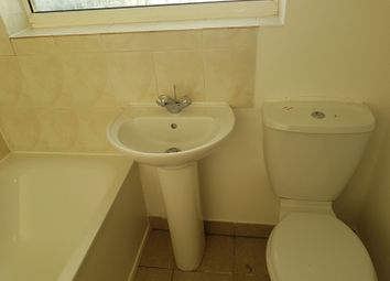 Thumbnail 1 bed flat to rent in Falcon Crescent, London