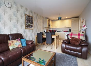 Thumbnail 2 bed flat to rent in 49 Drayton Green Road, West Ealing