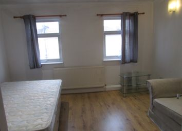 Thumbnail Studio to rent in Loampit Vale, Lewisham