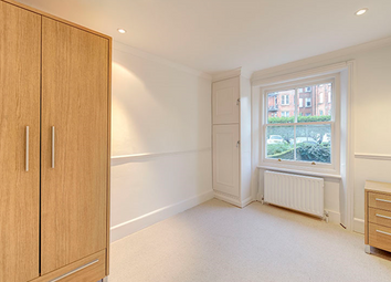 Thumbnail 2 bed flat to rent in Edith Grove, London