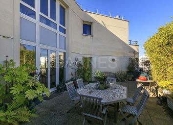 Thumbnail 4 bed apartment for sale in Levallois Perret, Levallois Perret, France