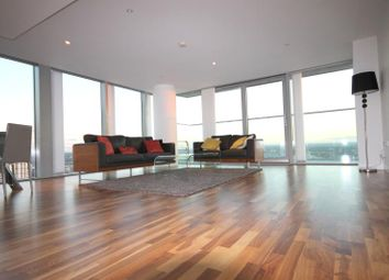 Thumbnail 3 bed flat to rent in Landmark East, Canary Wharf