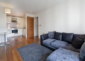 1 bed flat to rent in Goswell Road, Barbican EC1M