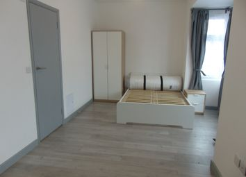 Thumbnail Room to rent in Haslemere Road, Seven Kings, Essex