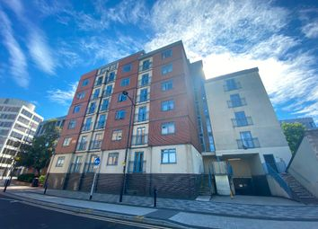 Thumbnail 1 bed flat to rent in Wellington Street, Town Centre, Swindon