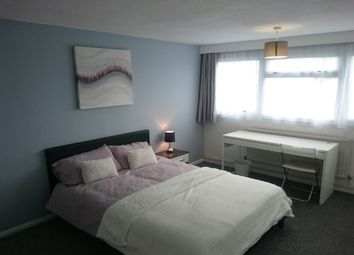 Thumbnail Room to rent in Gallaghers Mead, Andover