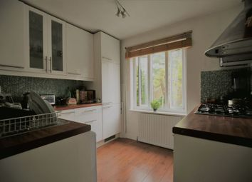 Thumbnail Property to rent in Brackenbury Road, London