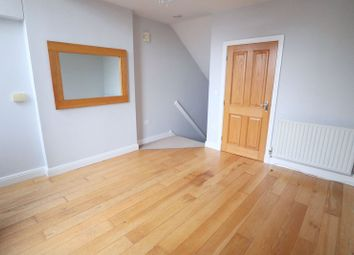 Thumbnail 1 bed flat to rent in Station Road, Stone