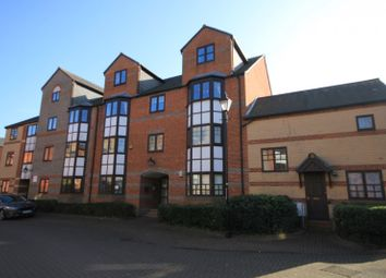 Thumbnail 1 bed flat to rent in New Bright Street, Reading