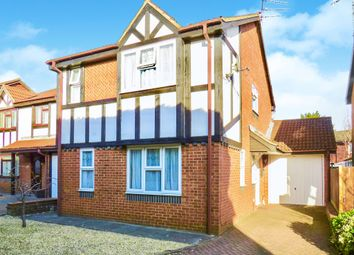 3 bed detached house for sale in The Magpies, Luton LU2