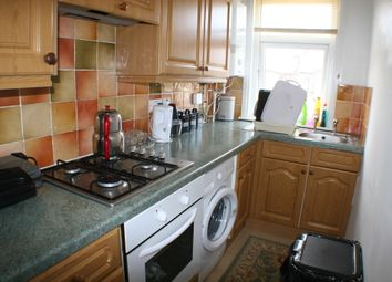 Thumbnail 2 bed flat to rent in Fleetwood Avenue, Westcliff-On-Sea