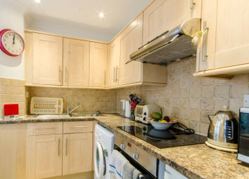 Thumbnail 1 bed flat to rent in Oakleigh Road North, New Southgate