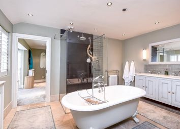 Thumbnail 6 bed property to rent in St. Marys Grove, London