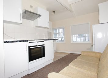 Thumbnail 2 bed mews house to rent in Oakleigh Road North, Whetstone, London