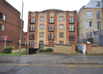 Thumbnail 2 bed flat for sale in Newbury House, 9 Approach Road, Barnet
