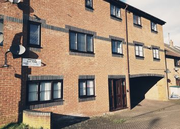 Thumbnail 2 bed flat to rent in Union Road, Dunstable