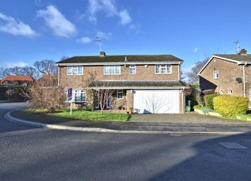 Thumbnail 6 bedroom detached house for sale in Sun Gardens, Burghfield Common, Reading