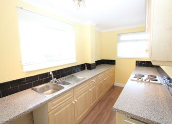 2 bed flat to rent in Long Grove, Seer Green, Beaconsfield HP9