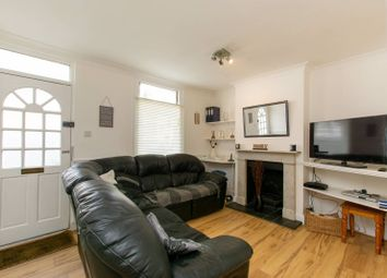 Thumbnail 2 bed cottage for sale in Addington Road, Croydon