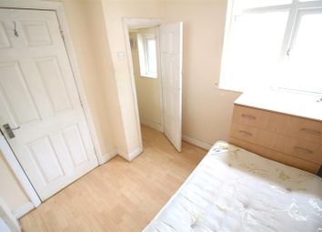 Thumbnail Property to rent in Brook Avenue, Edgware
