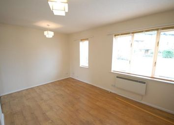 Thumbnail Studio to rent in Hogarth Crescent, Colliers Wood, London