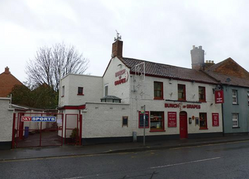 Thumbnail Pub/bar for sale in St Johns Street, Bridgwater