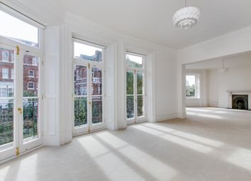 Thumbnail 3 bed flat to rent in Cadogan Gardens, Chelsea, London