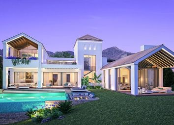 Thumbnail 4 bed villa for sale in La Resina Golf, New Golden Mile, Estepona