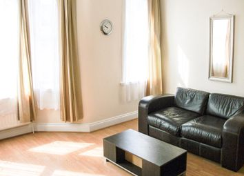 2 bed flat to rent in Ruckholt Road, London E10