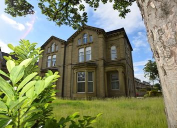 Thumbnail 2 bed flat to rent in Wellington Crescent, Shipley