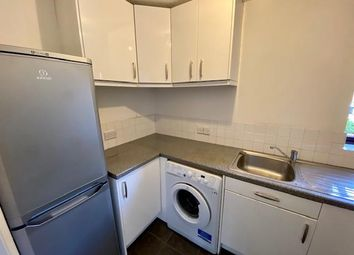 Thumbnail 2 bed flat to rent in Ludlow Road, Maidenhead