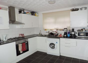 Thumbnail Room to rent in Rm 3, Eyrescroft, Bretton, Peterborough