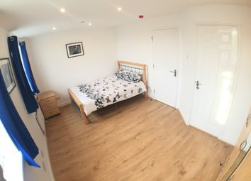 Thumbnail 5 bed shared accommodation to rent in Wheat Sheaf Cl, London