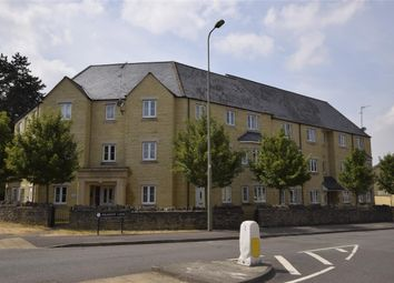 Thumbnail 2 bed flat to rent in Flat 6, 1 Meadow Lane, Witney, Oxfordshire