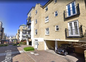 Thumbnail 1 bed flat to rent in Renwick Drive, Bromley