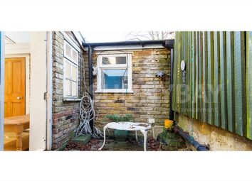 Thumbnail 3 bed flat to rent in Stockwell Green, Stockwell