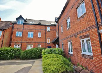 Thumbnail 2 bed flat for sale in Chapel Close, Wantage