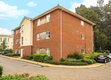 Thumbnail 2 bed flat to rent in Brook Avenue, Ascot