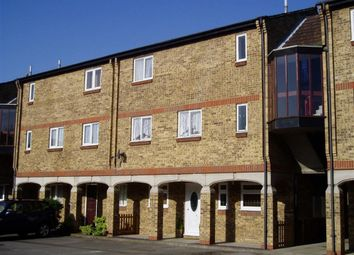 Thumbnail 1 bed flat to rent in Calvert Drive, Basildon, Essex