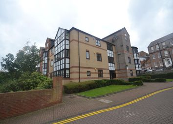 2 bed flat to rent in Rose Walk, Reading RG1